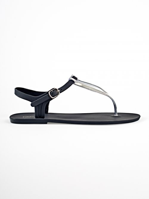 Flat sandals with silver detail