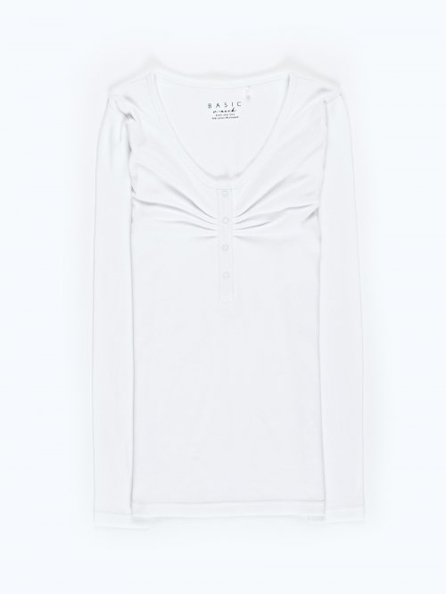 Basic rib-knit stretch t-shirt with front snap buttons