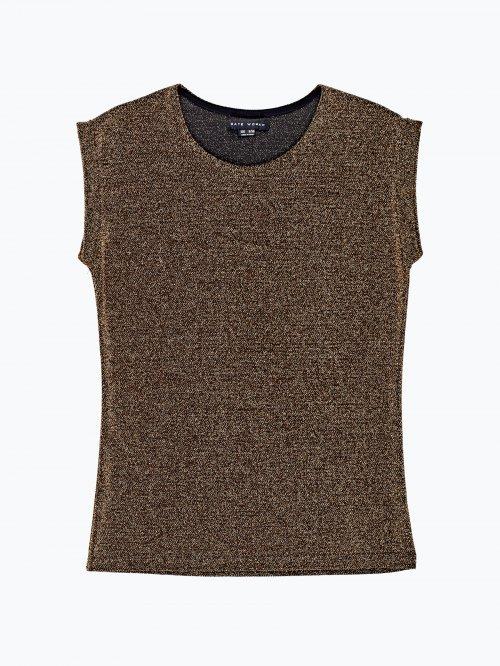 T-shirt with metallic fibre