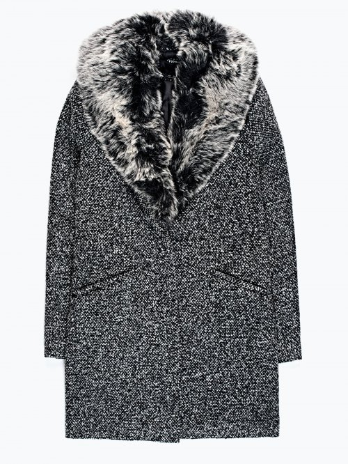 Oversized coat with removable faux fur