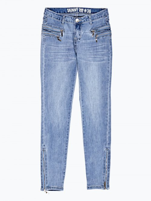 Skinny jeans in light blue wash with zipper details