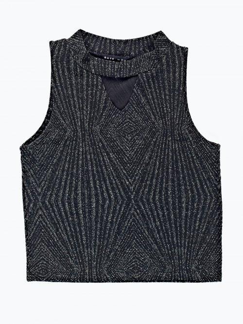 Crop top with choker collar