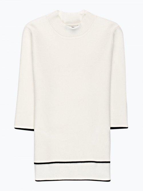 Dżersejowy sweter z krótkimi rękawami