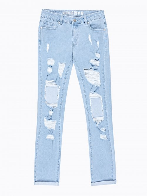 DESTROYED JEANS IN LIGHT BLUE WASH