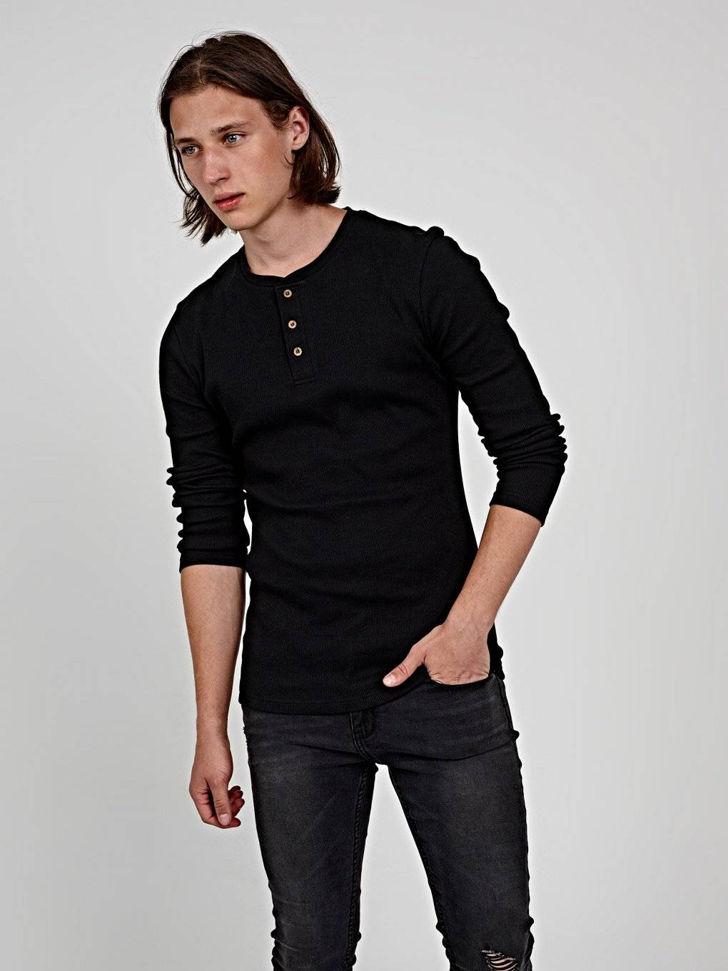Basic rib-knit t-shirt with front buttons