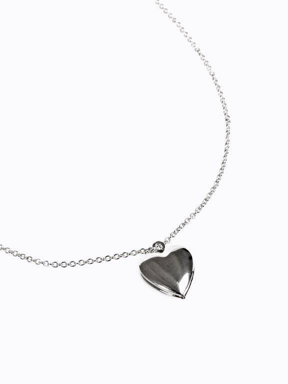 Opening heart pendant necklace