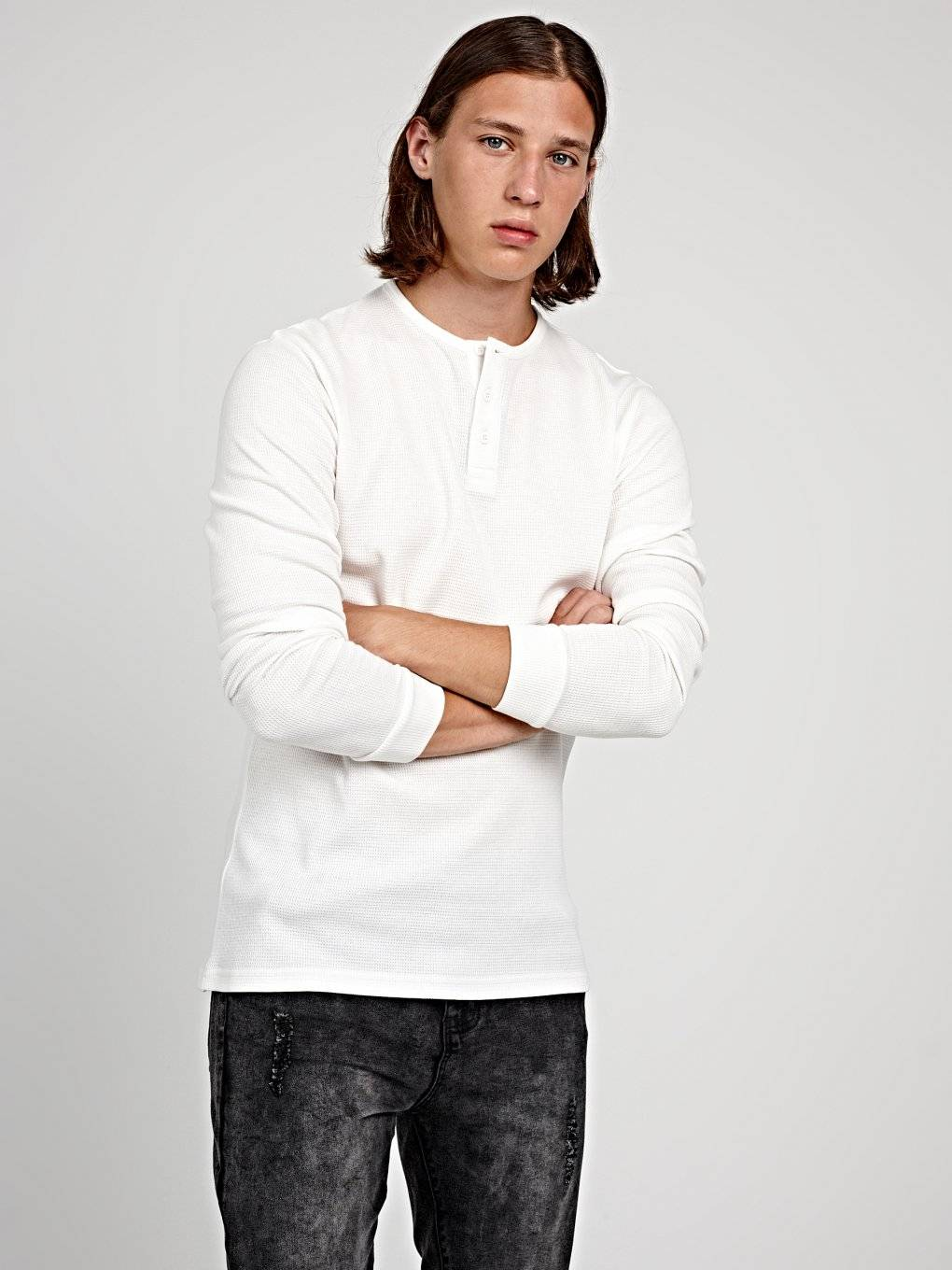 BASIC WAFFLE-KNIT HENLEY WITH LONG SLEEVE