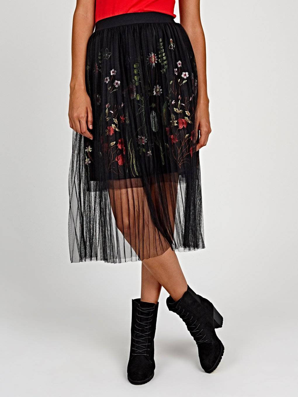 PLEATED SKIRT WITH FLORAL EMBROIDERY