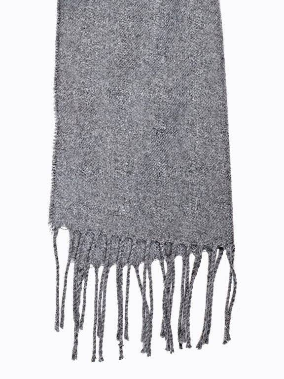 Basic scarf with tassels