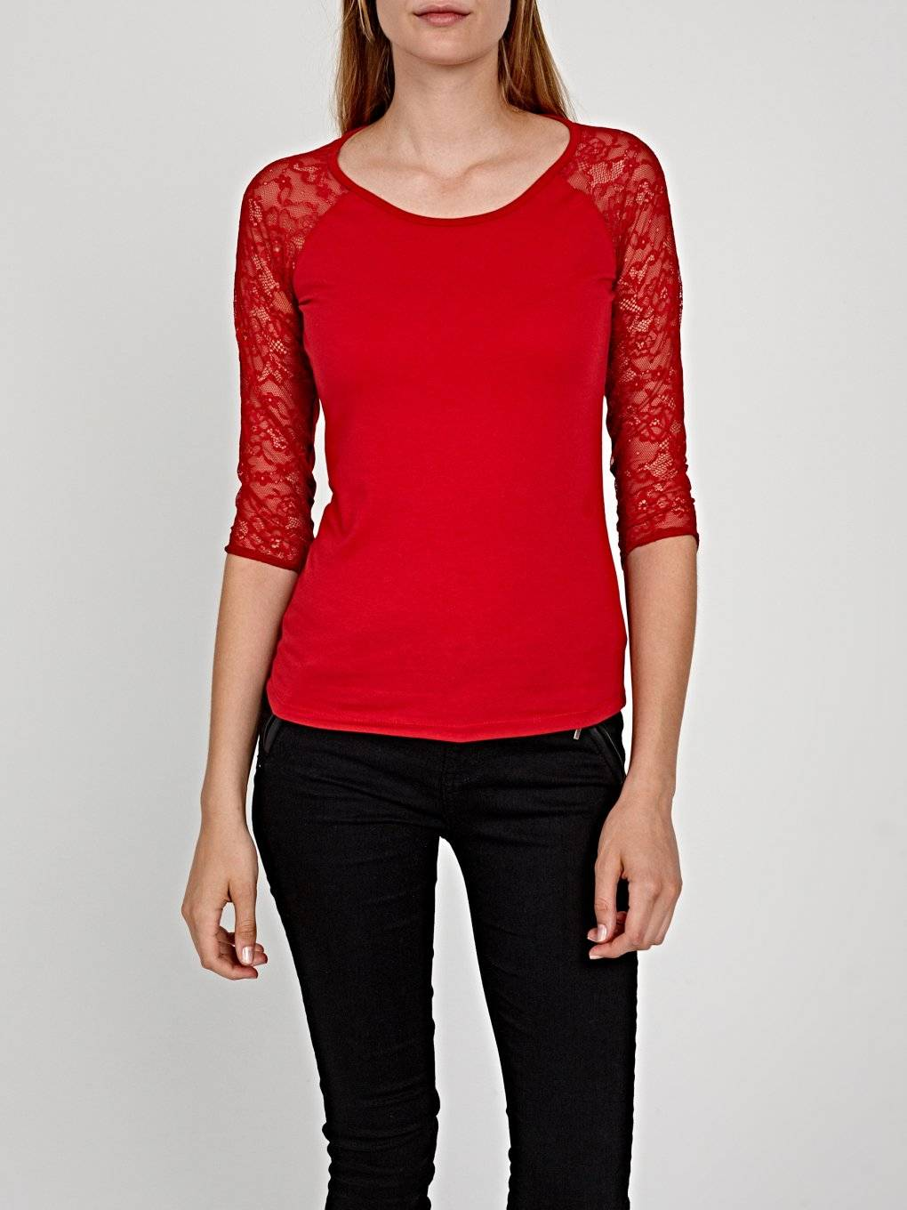 Combined top with lace sleeve