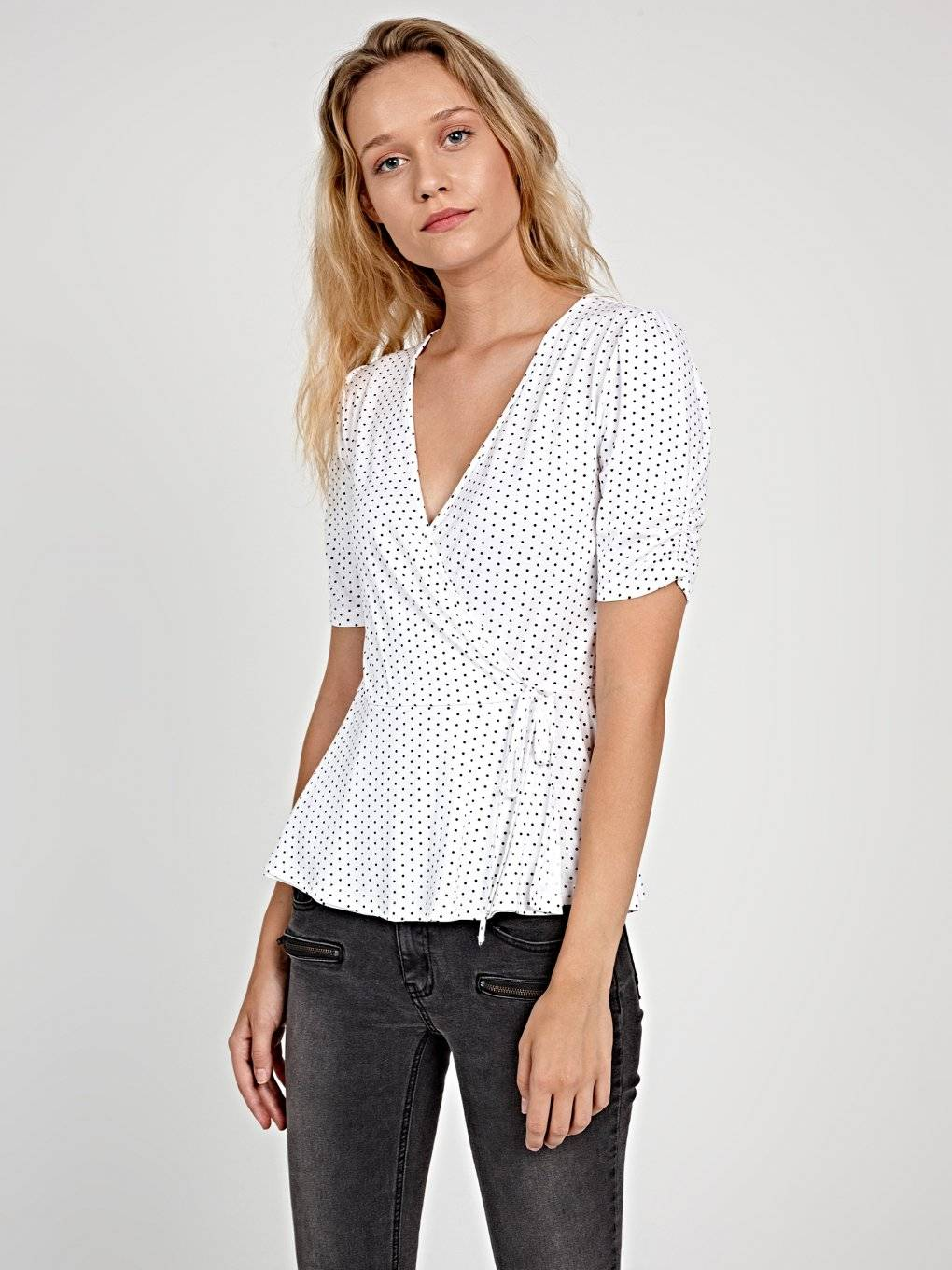POLKA DOT PRINT WRAP TOP