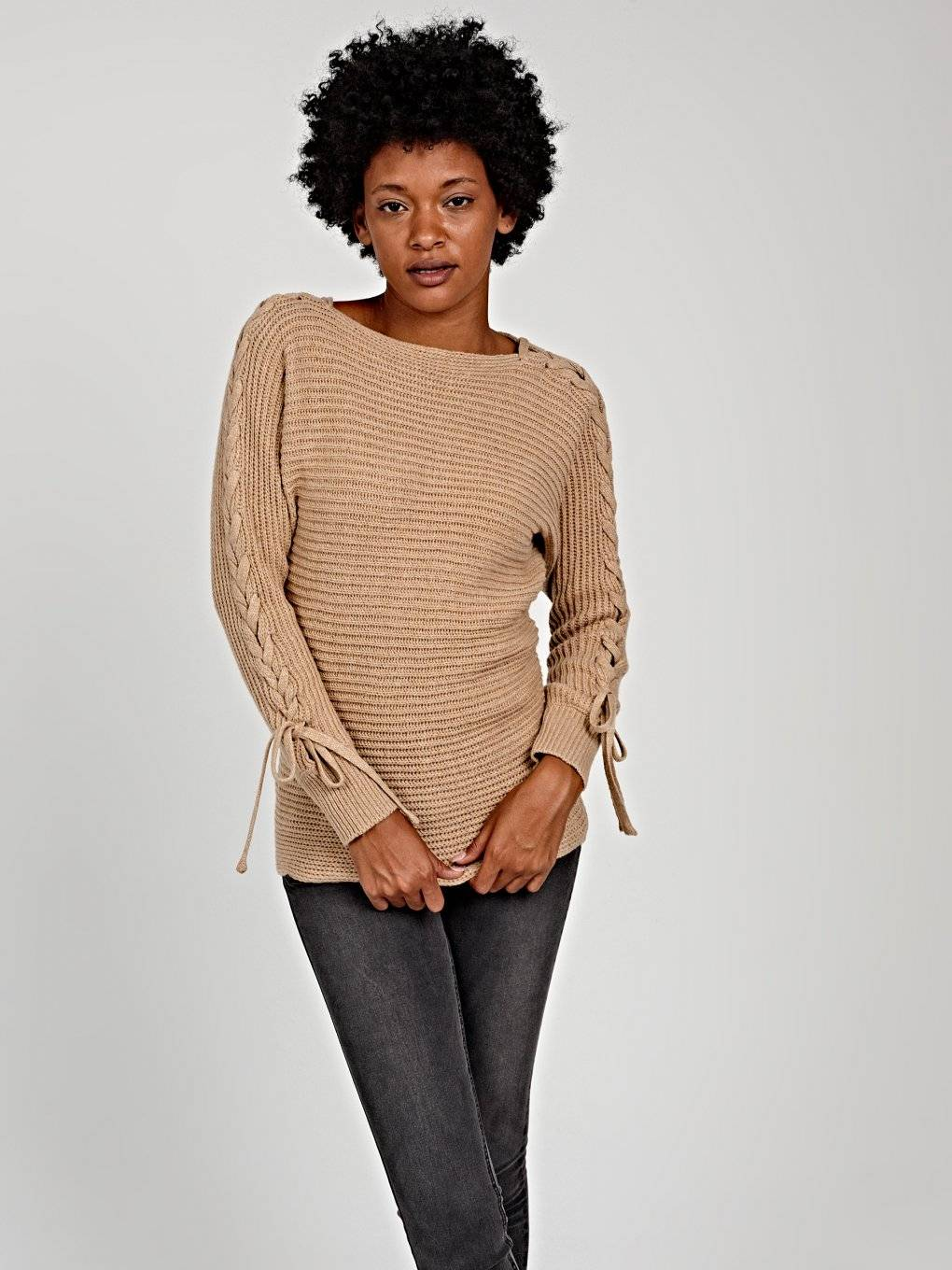 STRUCTURED SWEATER WITH SLEEVE LACING
