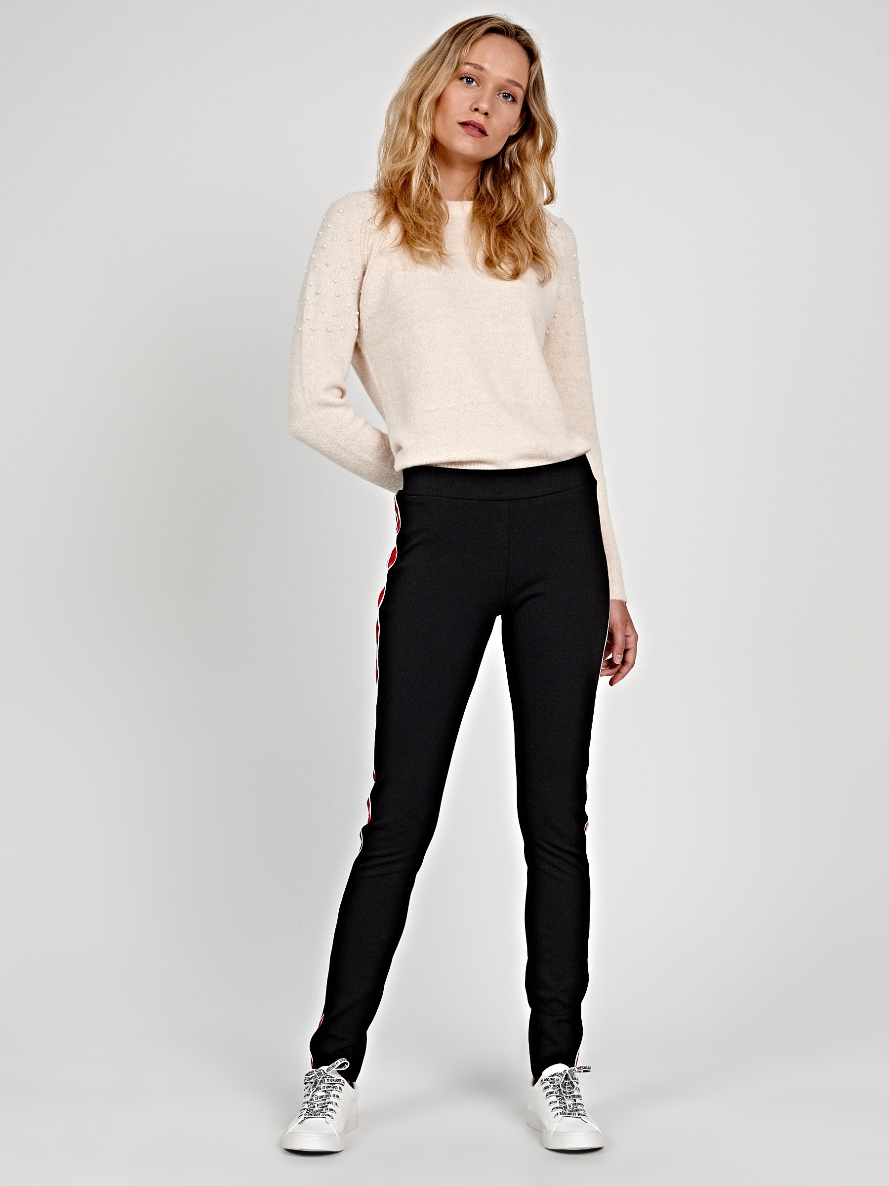 Knitted Slim Trousers With Side Stripe Gate