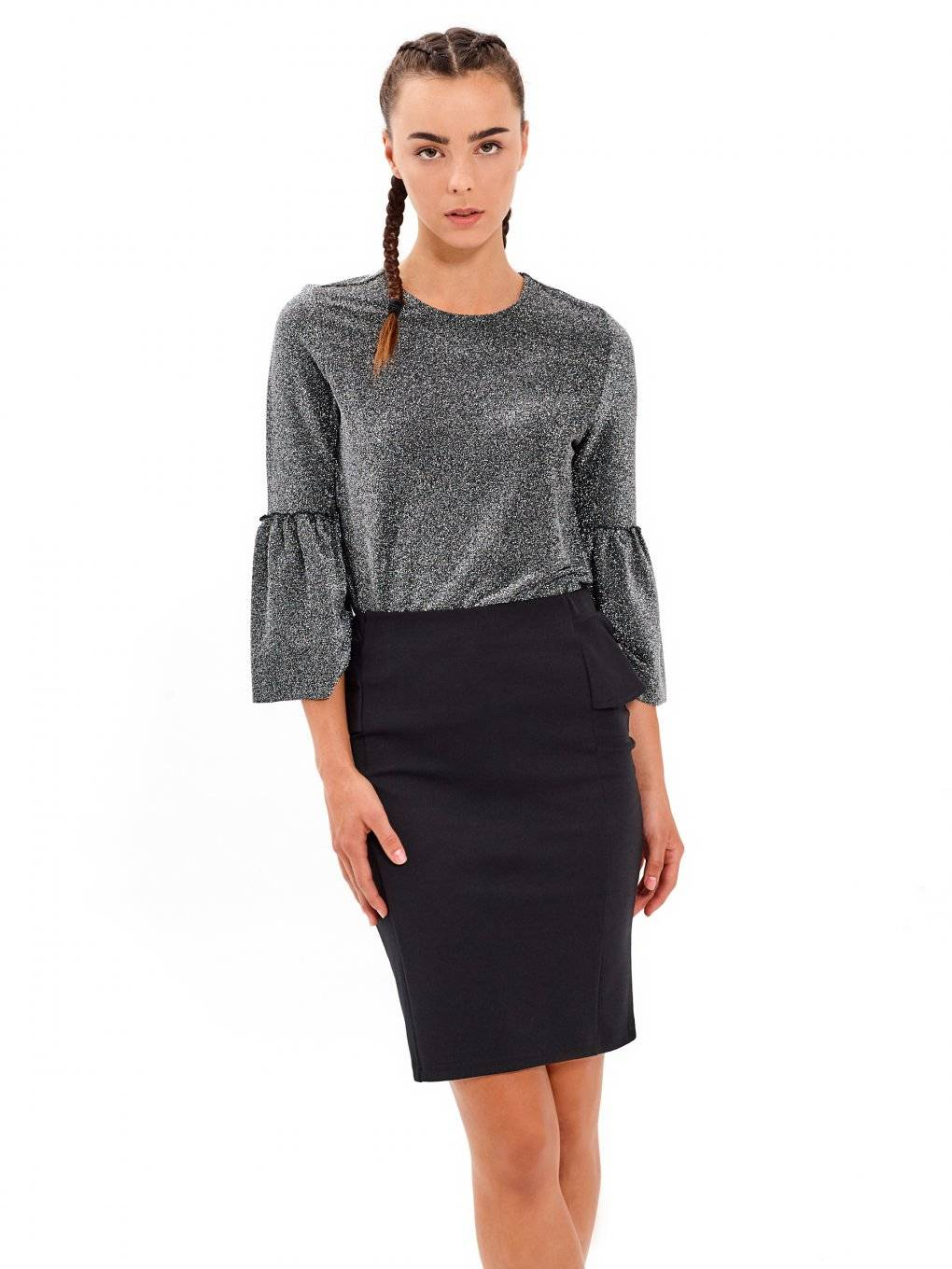 Top with metallic fibre and ruffle sleeve