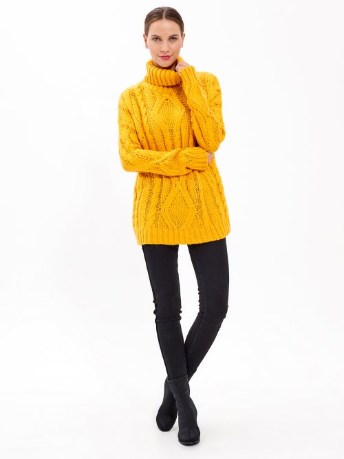 CABLE-KNIT TURTLENECK JUMPER
