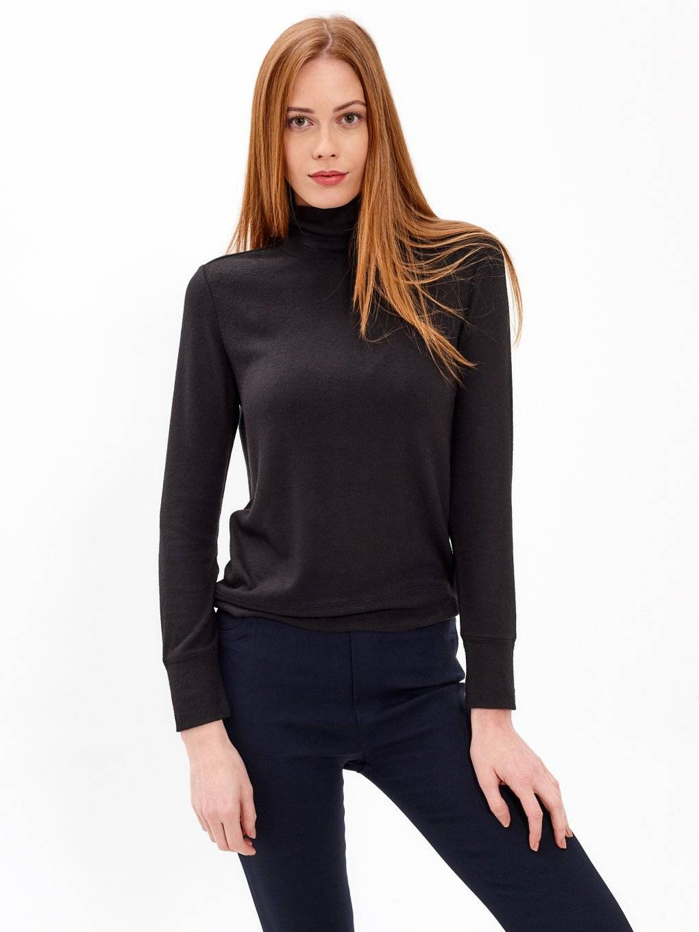 PLAIN TURTLENECK JUMPER