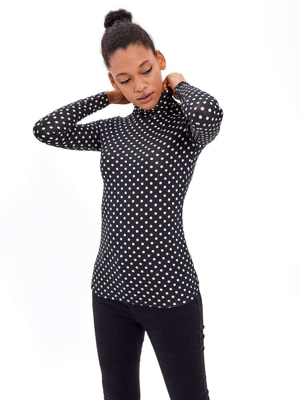 POLKA DOT PRINT TURTLENECK TOP