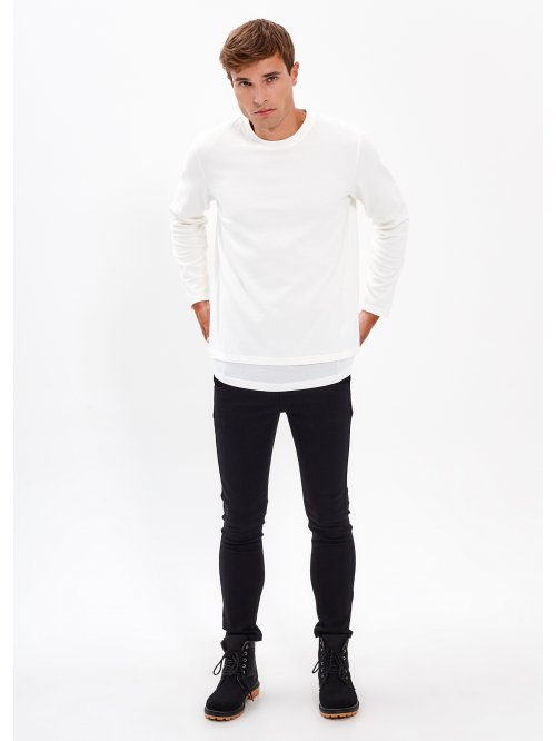 STRUCTURED T-SHIRT WITH LAYERED HEMS