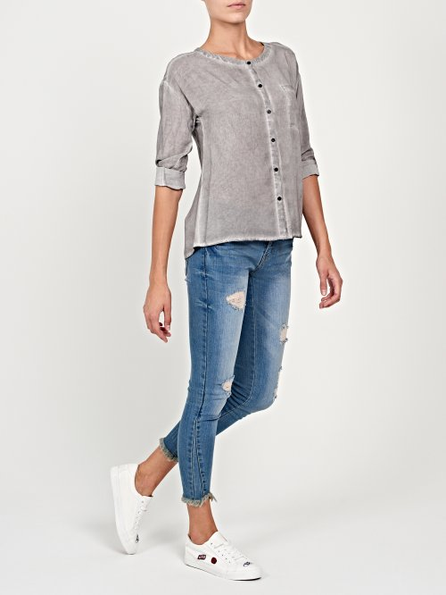 Viscose blouse in dirty wash