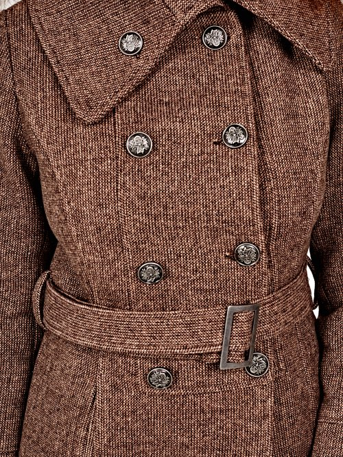 Double breasted coat with belt