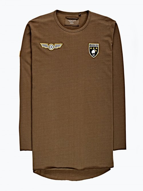 Prolonged t-shirt  with patches