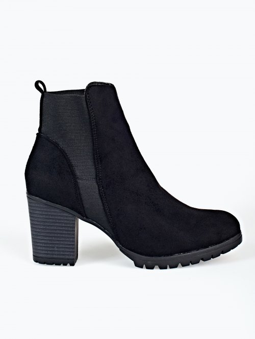Ankle boots with rubber detail