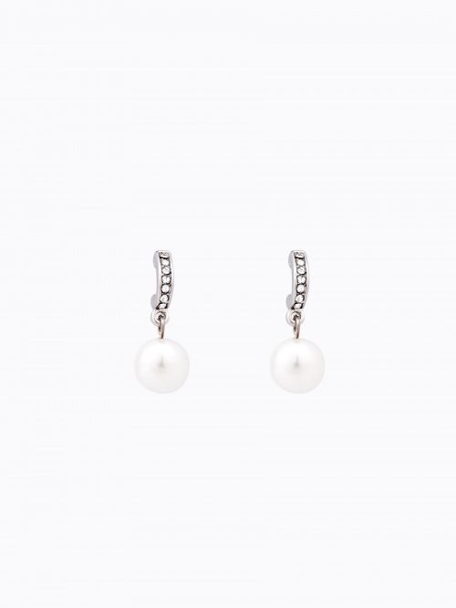 Earrings with pearl