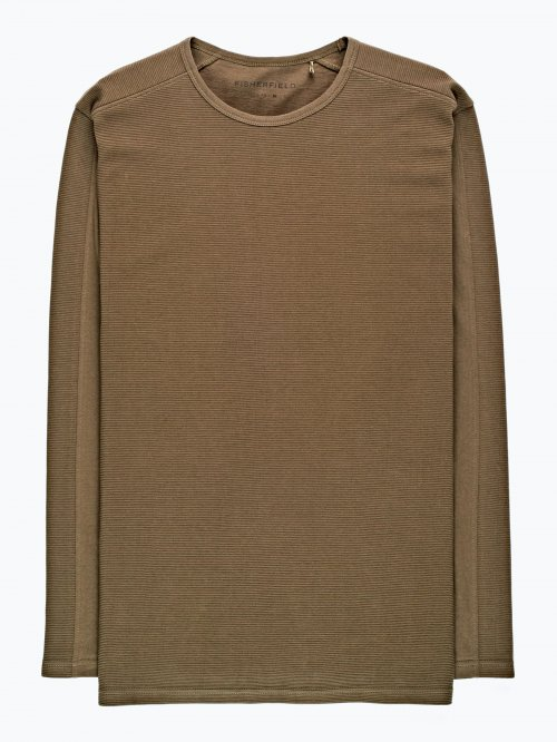 Cut and sew t-shirt