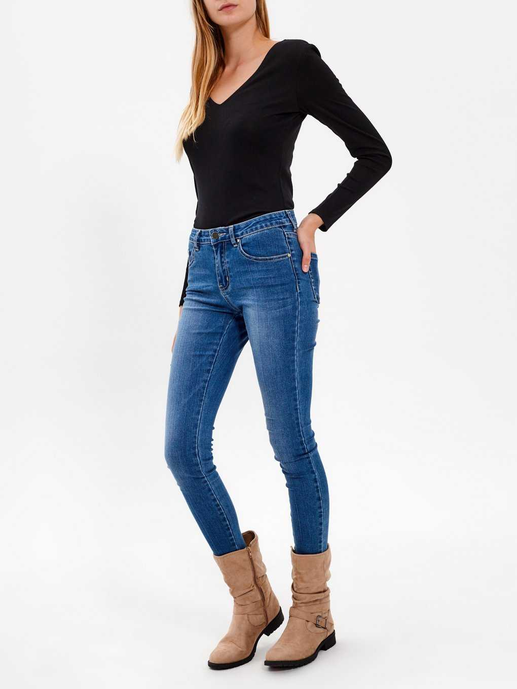 BASIC V-NECK RIB-KNIT BODYSUIT