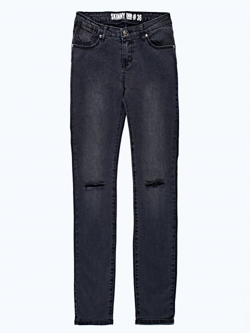 Ripped knees skinny jeans in black wash