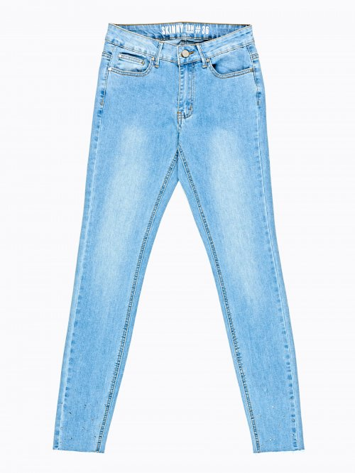 Skinny jeans in light blue wash