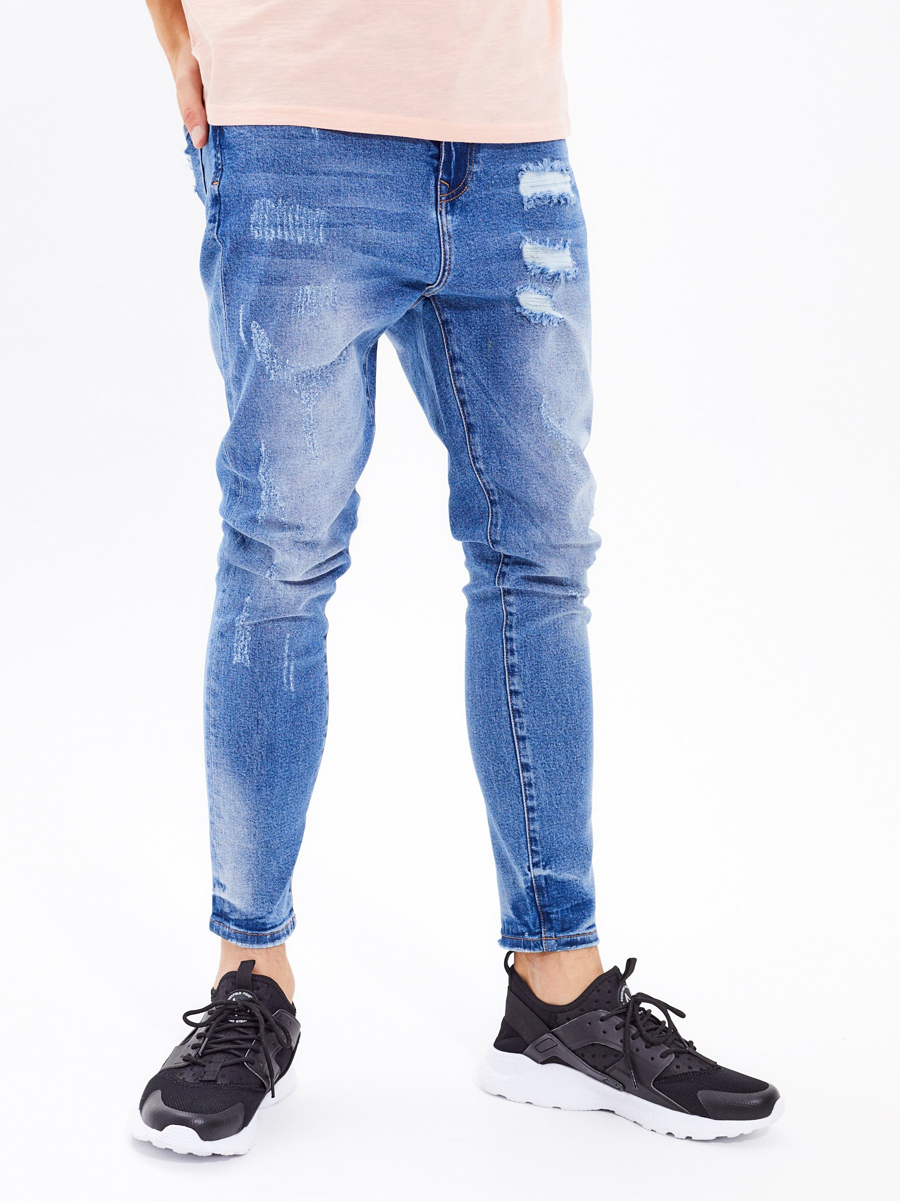 b7ee88313ae Džíny straight slim fit s obnošeným vzhledem s nízkým sedem