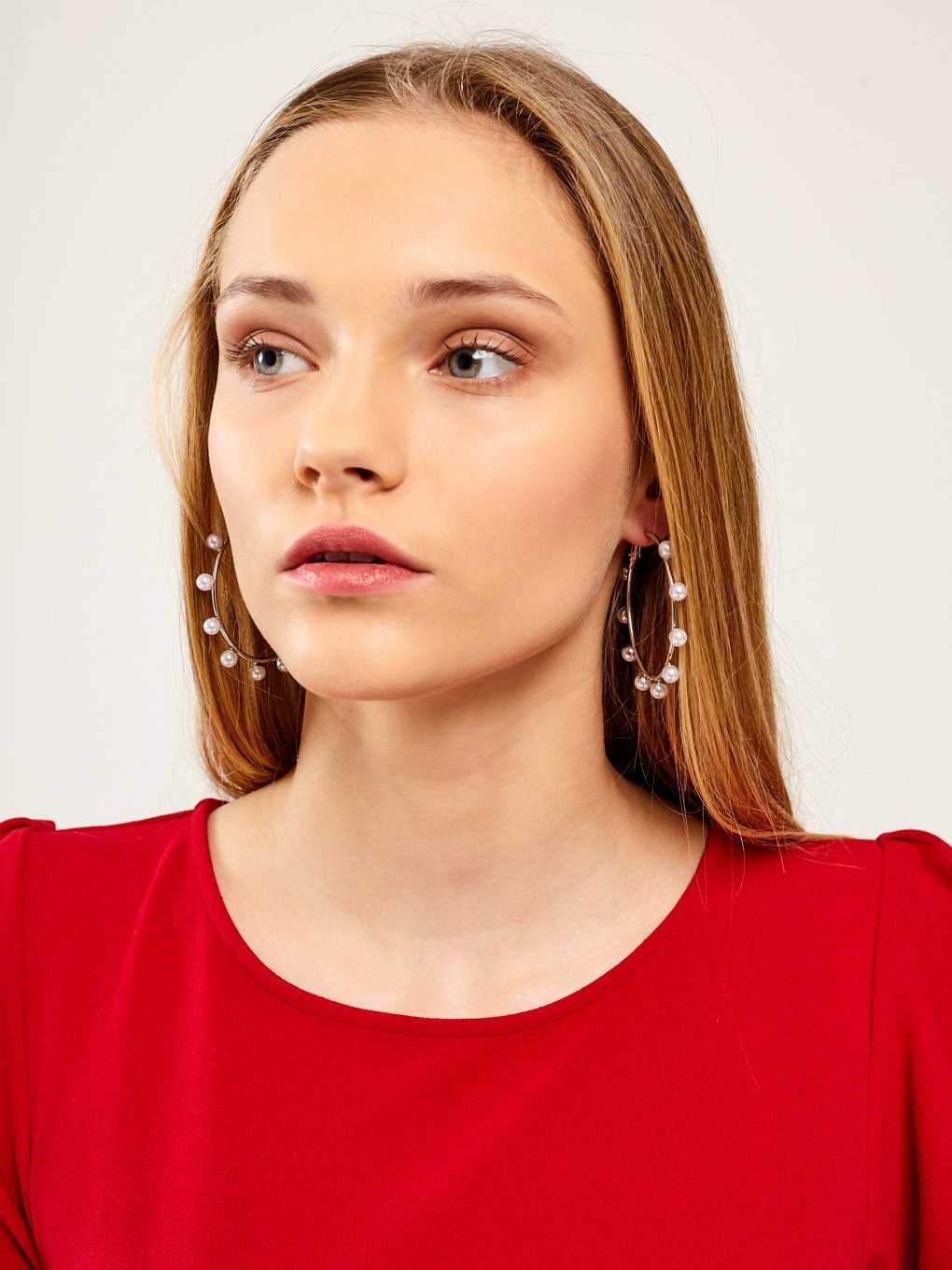 HOOP EARRINGS WITH PERLS