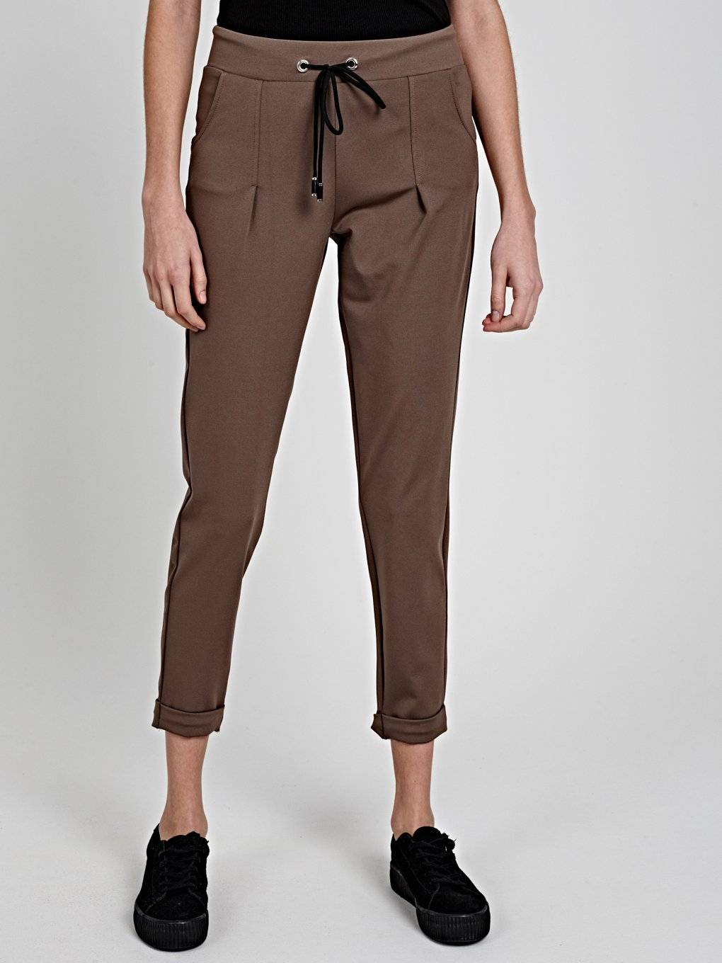 COMFY CARROT FIT TROUSERS