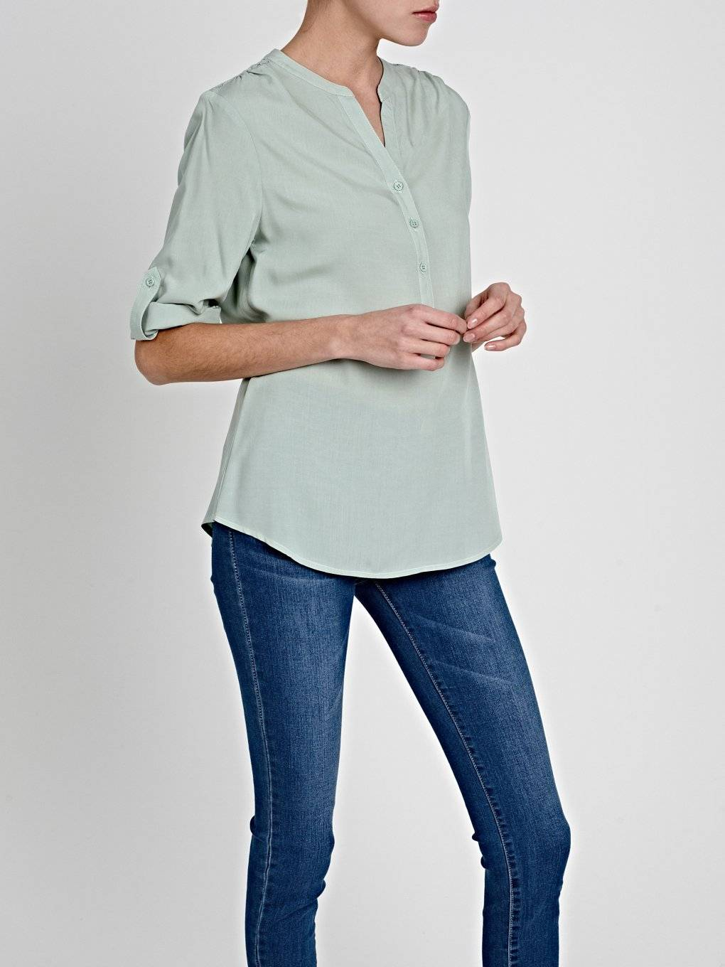 VISCOSE BLOUSE WITH LACE DETAIL