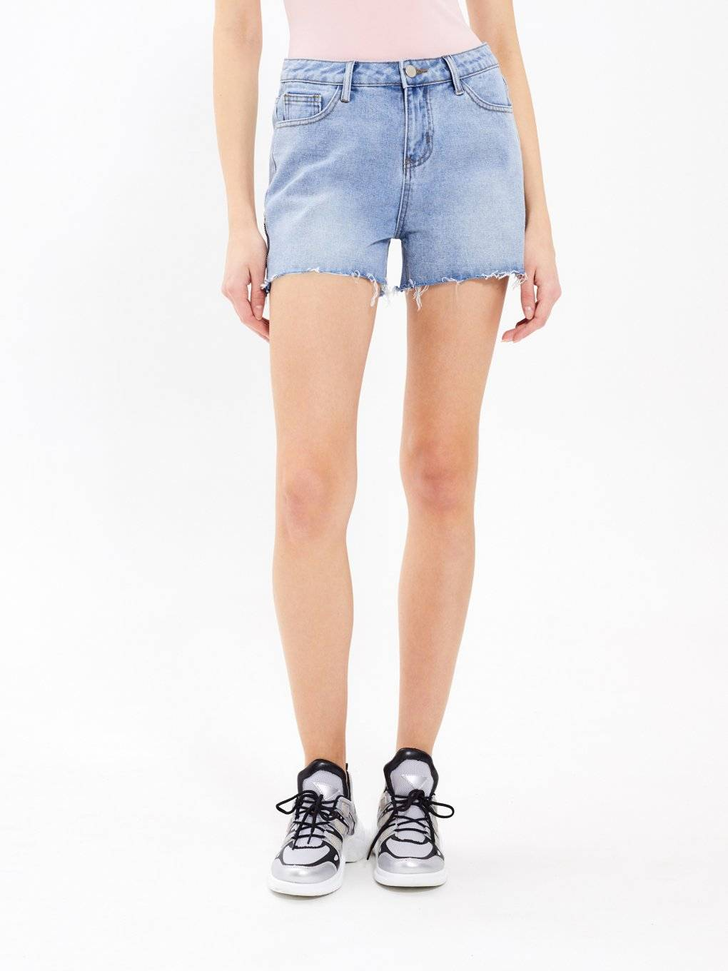Denim shorts with zippers