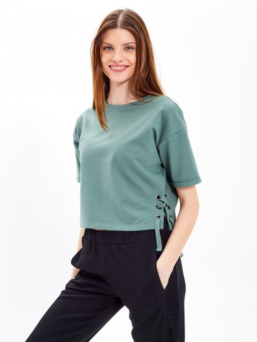 Short sleeve sweartshirt with lace-up detail