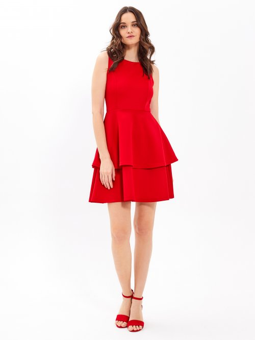 e483f0c2f633 Šaty s vrstvenou sukňou