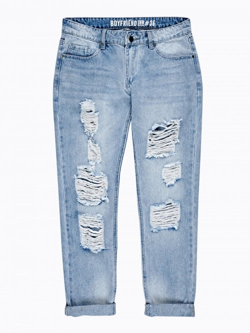 DESTROYED BOYFRIEND JEANS IN LIGHT BLUE WASH