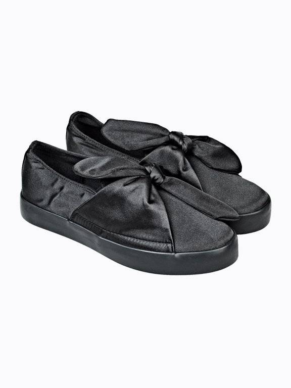 Slip-ons with knot