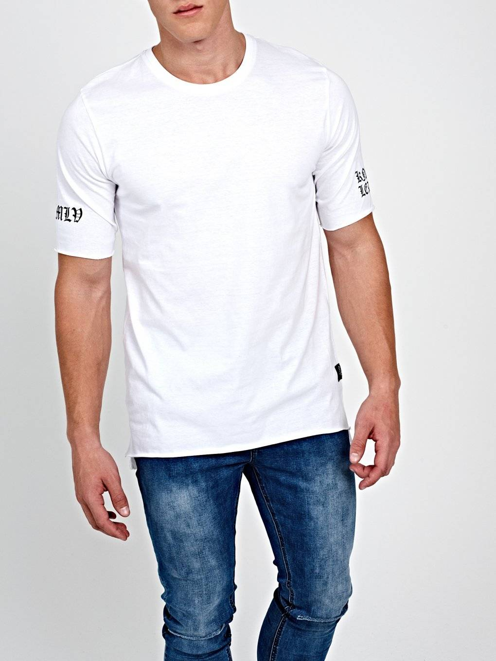 T-SHIRT WITH PRINTED SLEEVE