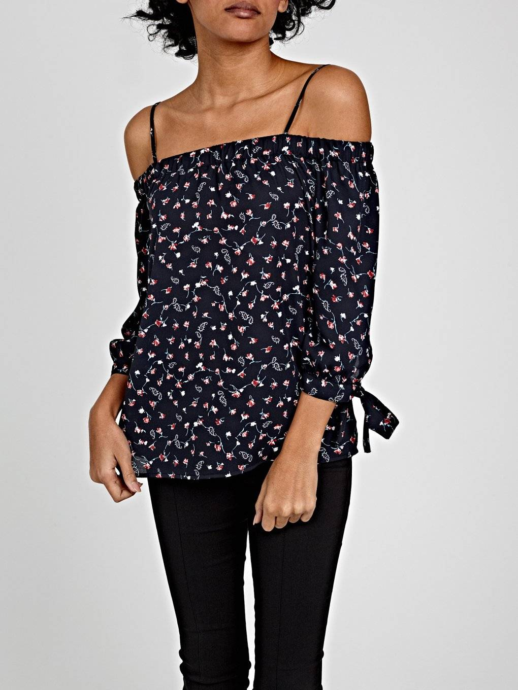 OFF-THE-SHOULDER CHIFFON BLOUSE