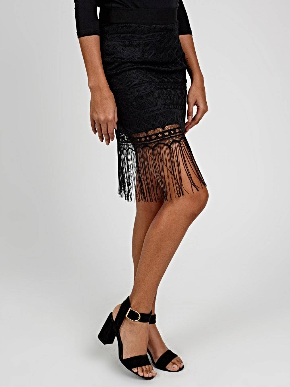 PENCIL SKIRT WITH TASSELS