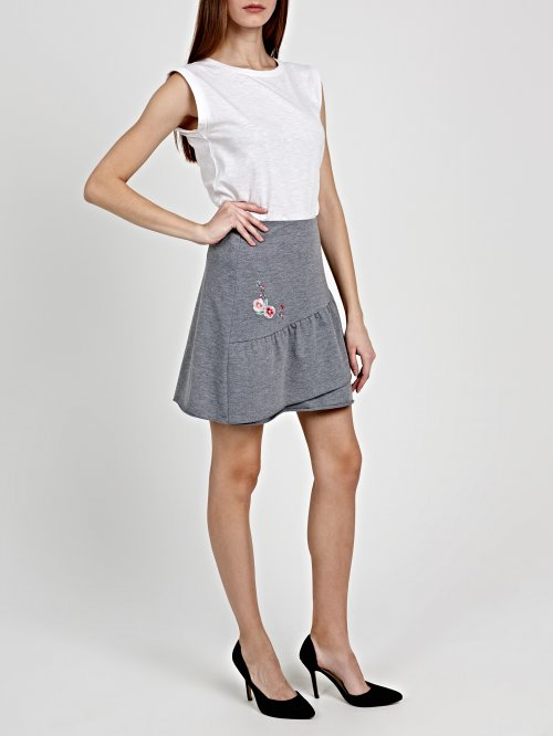 FRILLED MINI SKIRT WITH EMBROIDERY