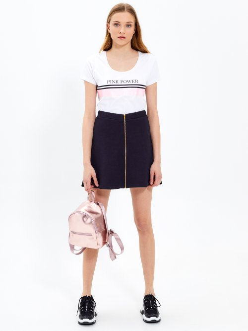 Skater skirt with front zipper