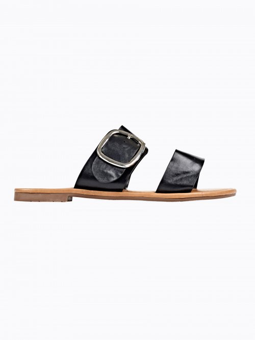 FLAT SLIDES WITH BUCKLE