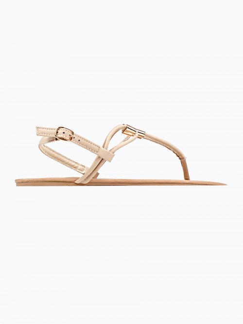 FLAT SANDALS WITH METAL DETAIL