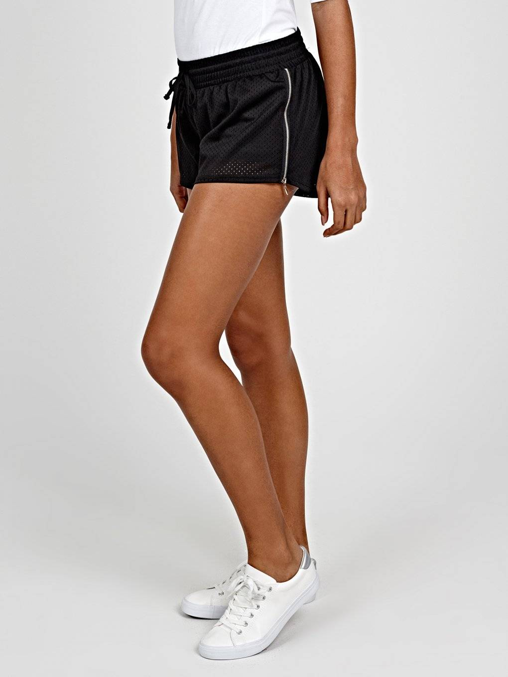 SPORTS SHORTS WITH SIDE ZIPPERS