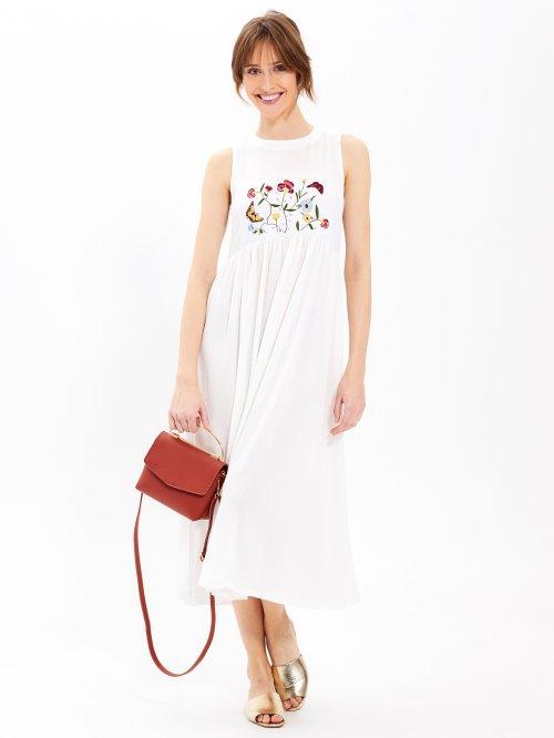 1b38258ad183 Dlhé šaty s kvetinovou výšivkou