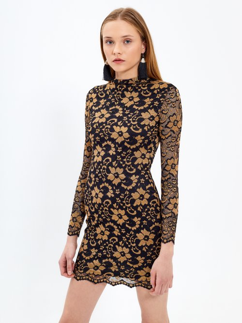 Lace dress with metallic fibre